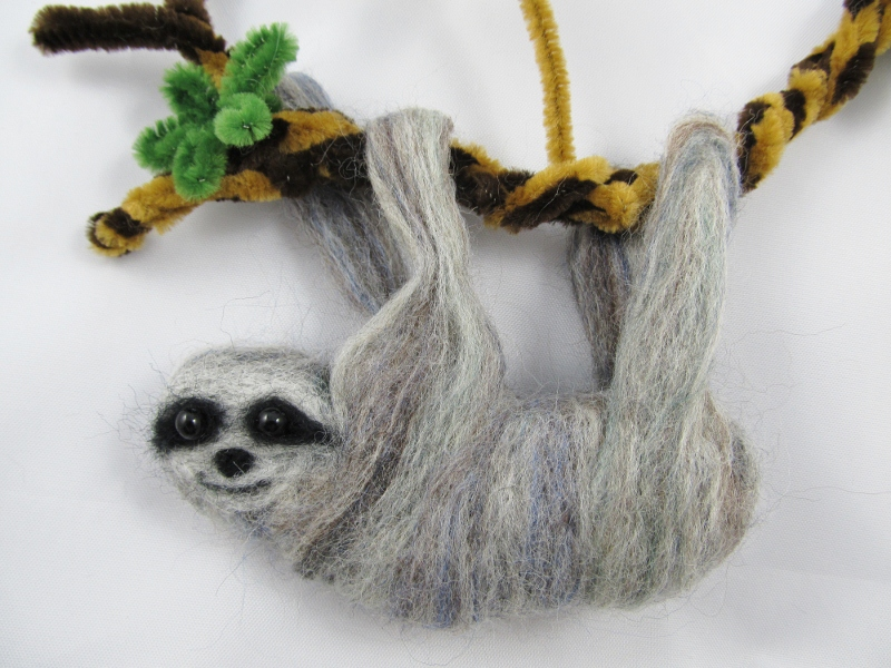 felted sloth 042 (800x600)