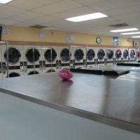 Easter at Laundromat 1 (800x600)