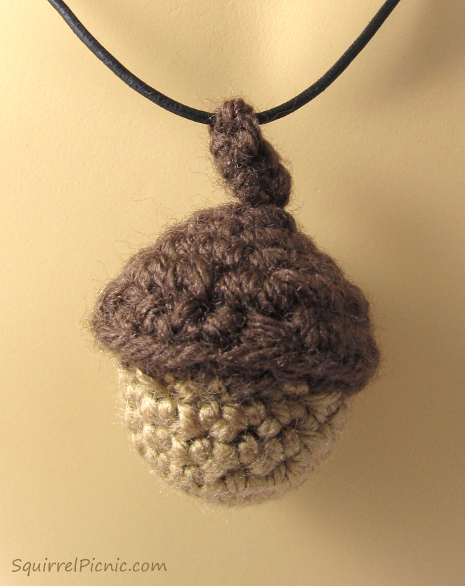 317f6aaa1 Pattern for Crochet Acorns and Fantastic Ways to Use Them | Squirrel ...