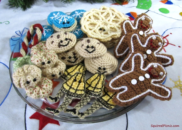 Crochet Christmas Cookie Platter