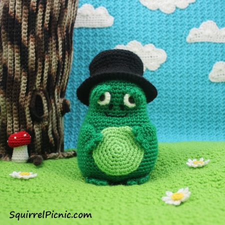 Crochet Mayor Snack Frog from The Big Acorn Race: A Story with Crochet Patterns and Projects