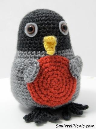 Rosa Robin Crochet Pattern by Squirrel Picnic