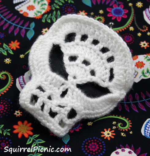 Crochet Skull And Crossbones Pattern Adorkable Will Catrionaobrian ...