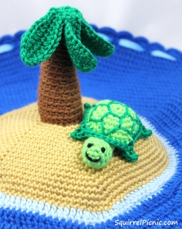 Crochet Turtle by Squirrel Picnic