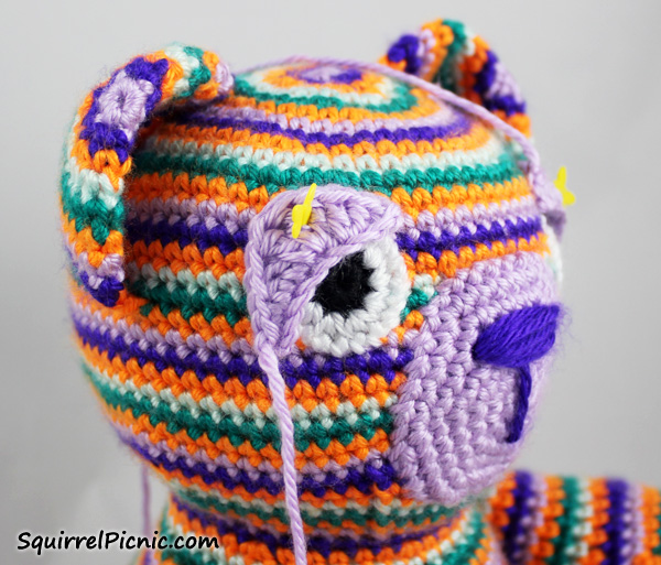 How to Add Faces to Amigurumi: Crochet Eyes and Eyelids | Squirrel ... | 513x600
