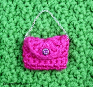 Crochet Purse for Your Squirrel Friend by Squirrel Picnic