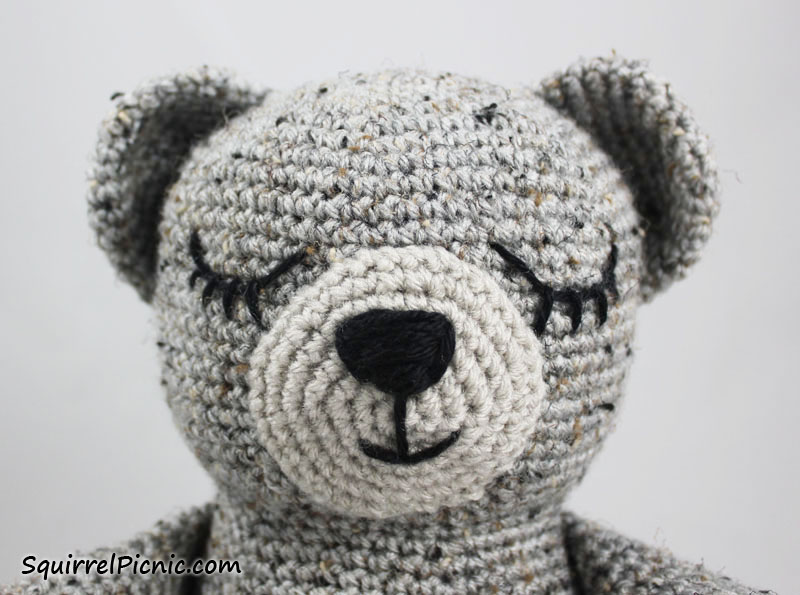 How to Add Faces to Your Amigurumi: Sleepy Eyes Squirrel ...