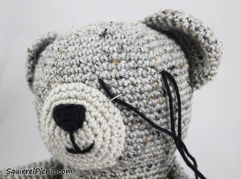 Sleepy Bear Crochet Pattern | Squirrel Picnic | 595x800