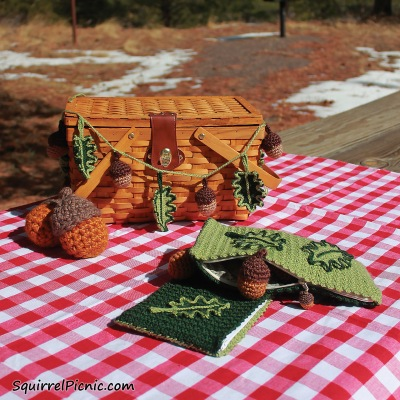 Oak Leaves and Acorns Patterns to Crochet from The Big Acorn Race by Jennifer Olivarez_Squirrel Picnic
