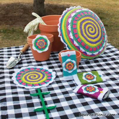 Tall n Fast Flower Crochet Patterns from The Big Acorn Race by Jennifer Olivarez_Squirrel Picnic