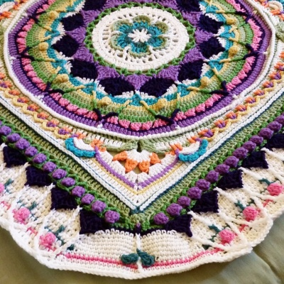 sophies-universe-blanket-crochet-by-jennifer-olivarez2
