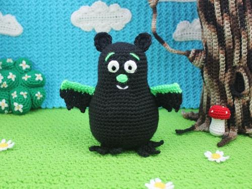 polka-bat-by-squirrel-picnic