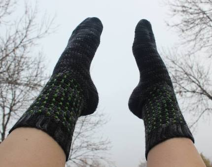 in-the-shadows-crochet-socks_jennifer-olivarez